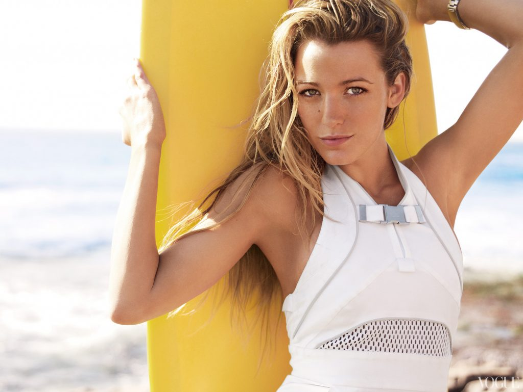 Blake Lively long beach wavy hair