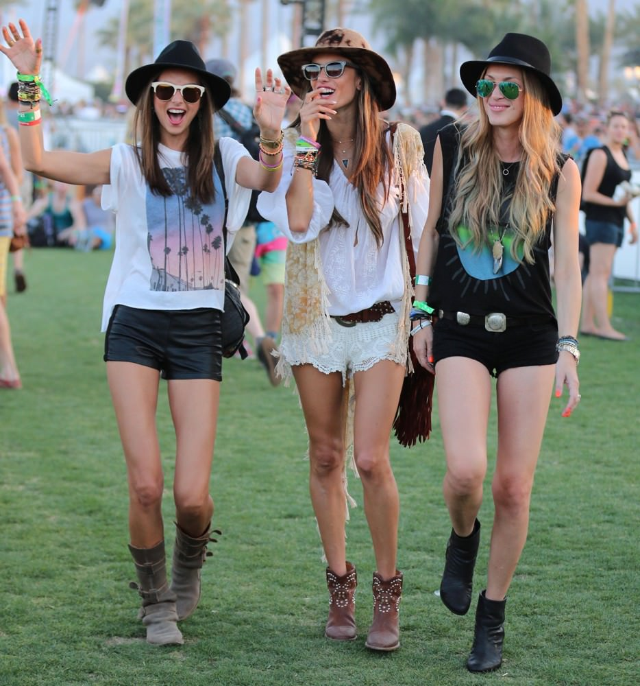Music festival casual hair and looks