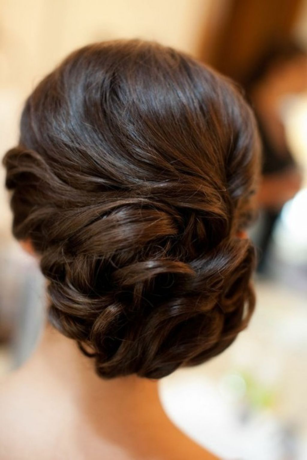 intricate-wedding-low-chignon