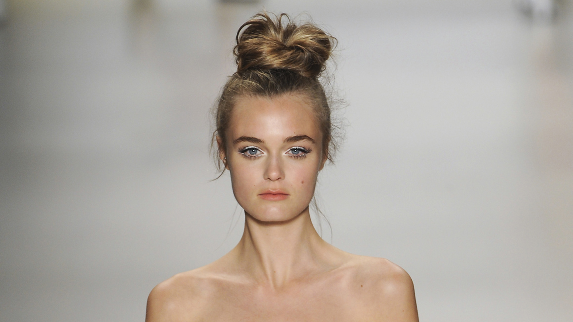 runway-top-knots-hairstyles