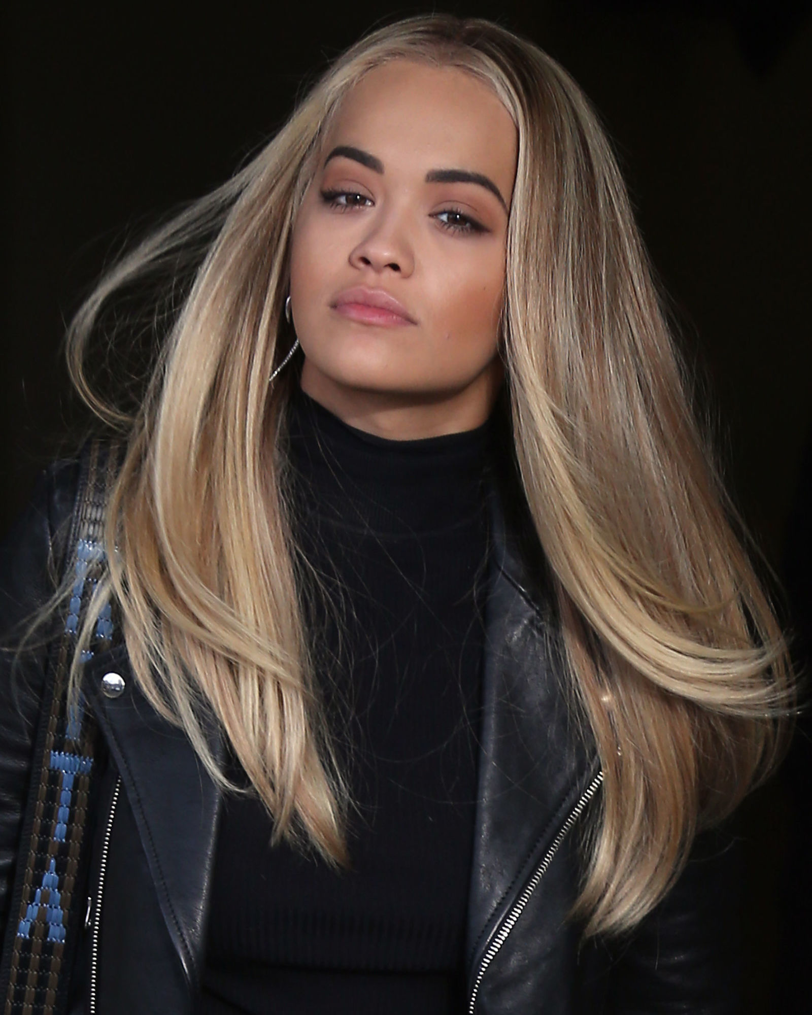 rita-ora-blonde-balayage-hair-colors-2017-summer
