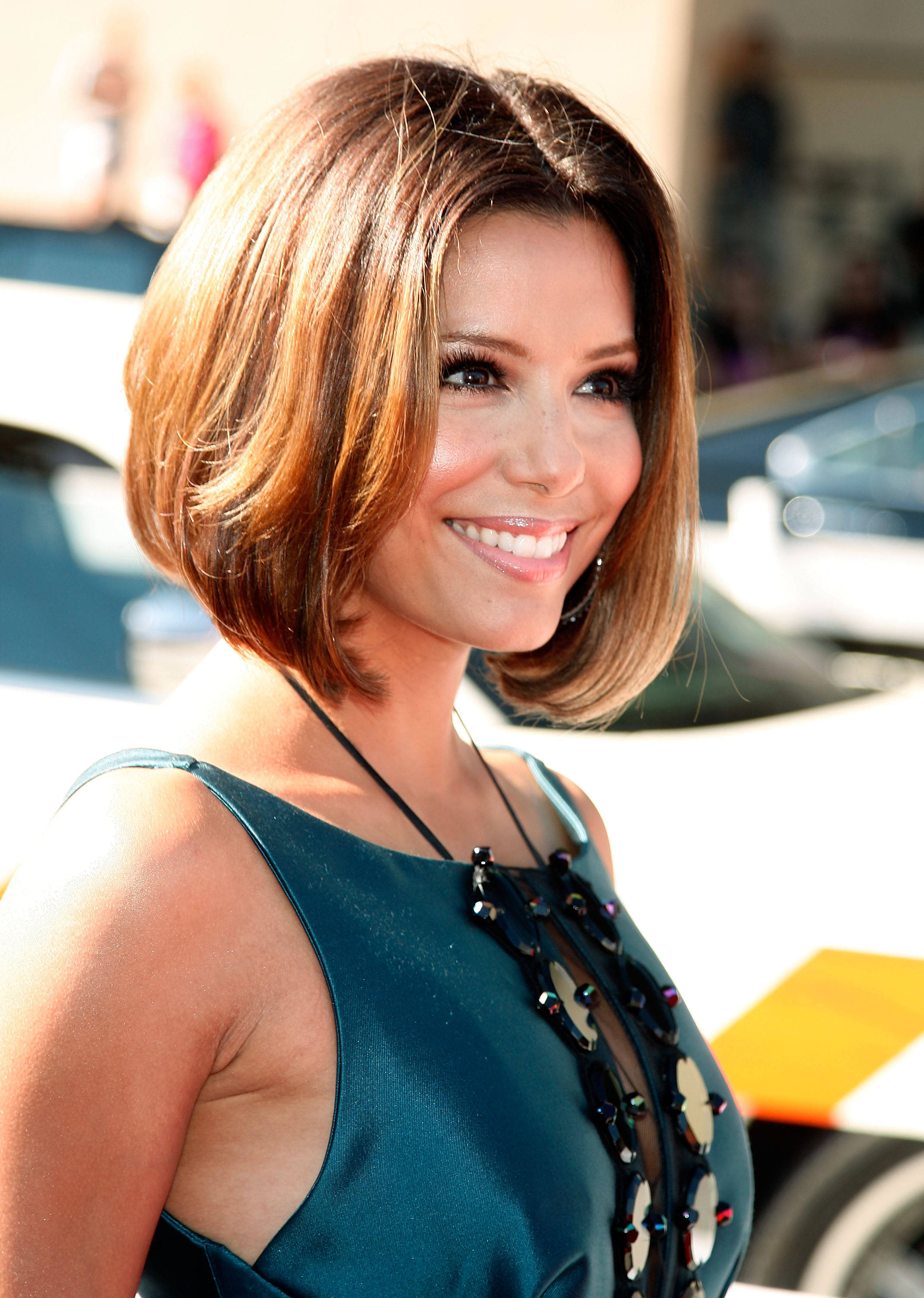 Eva-Longoria-center-pat-bob-hairstyles