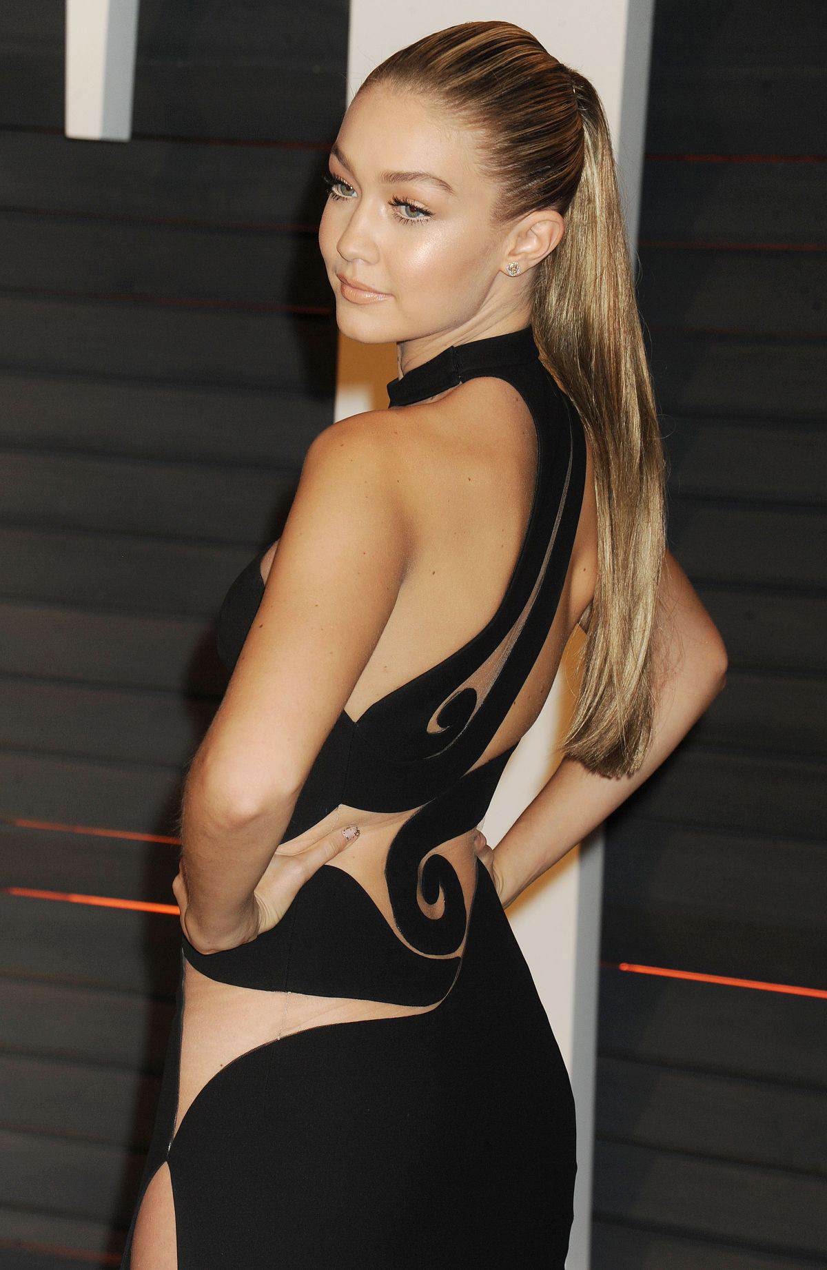 Gigi Hadid high sleek ponytail hairstyles