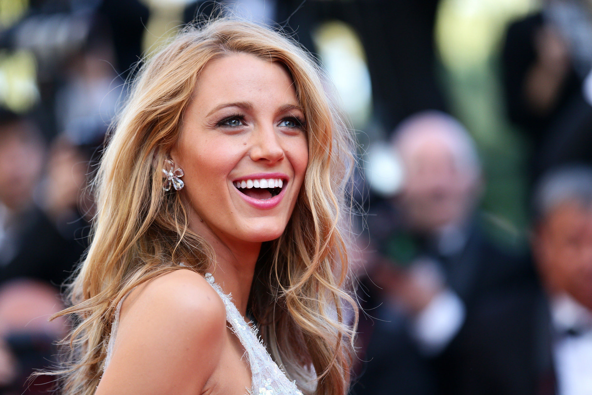 Blake Lively pink hair color trends 2017