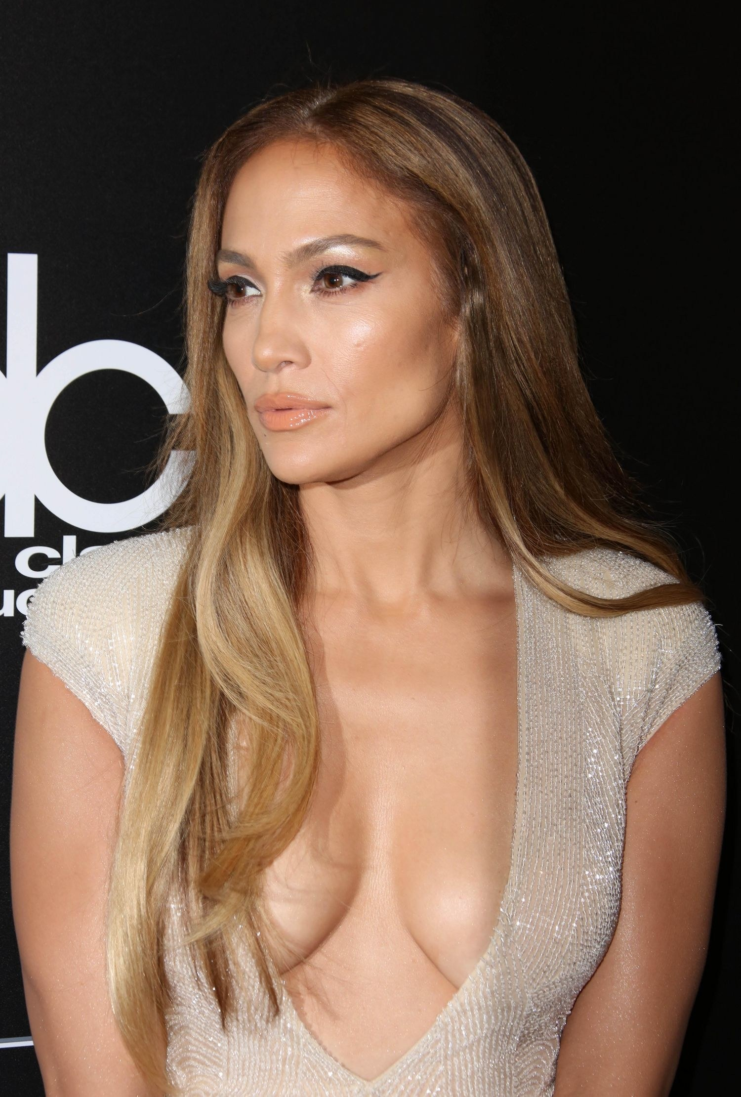 Jennifer Lopez brown hair colors 2017