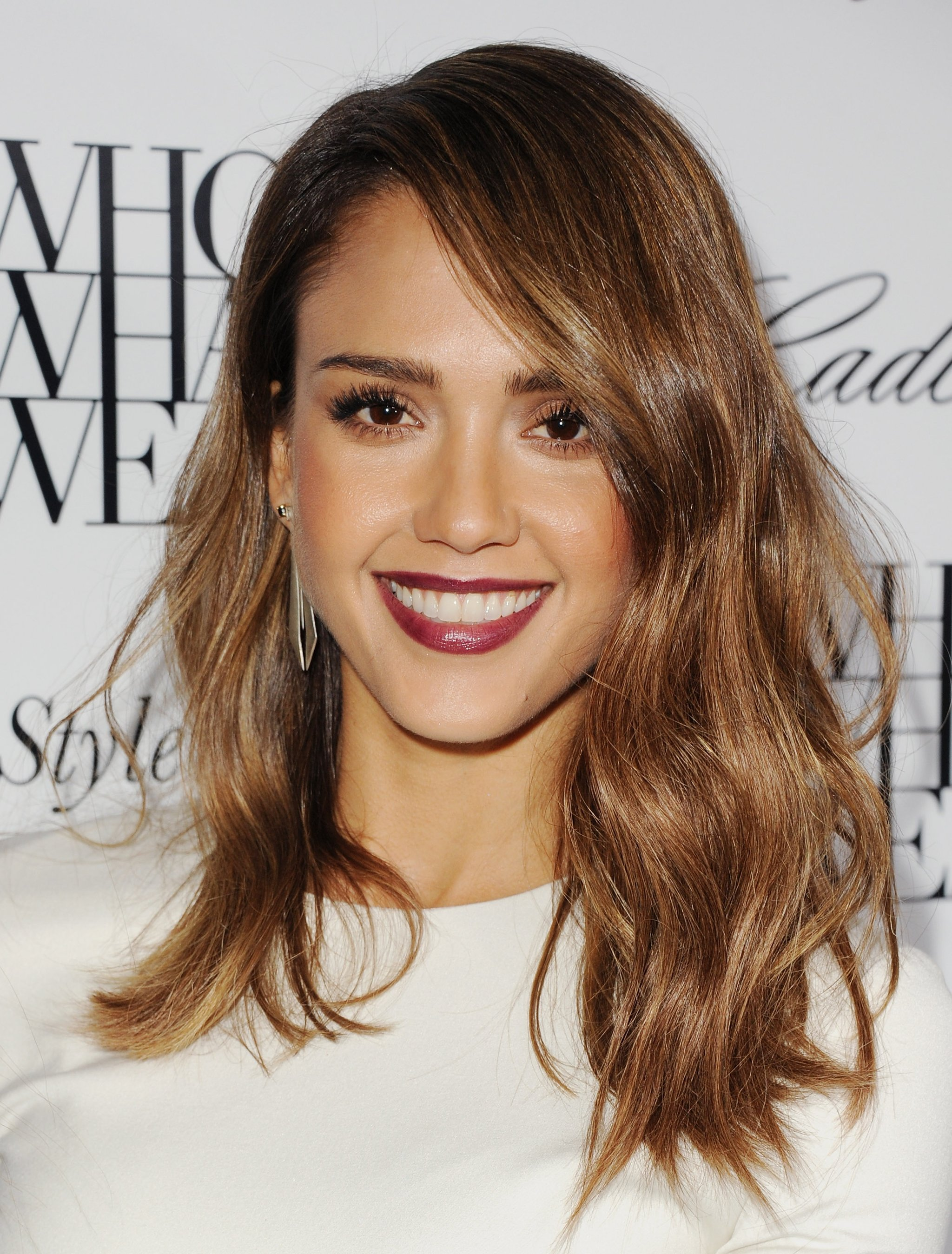 Jessica Alba brown hair colors 2017