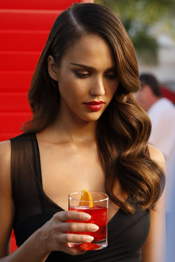 Jessica Alba retro old Hollywood hairstyles