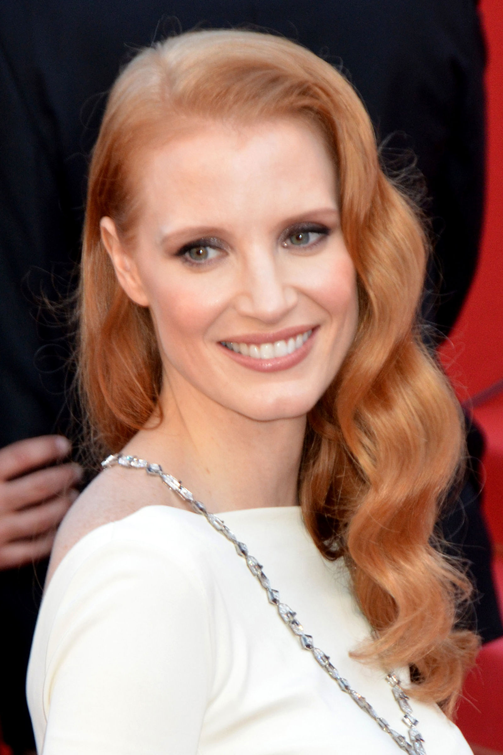 Jessica Chastain retro Hollywood hairstyles
