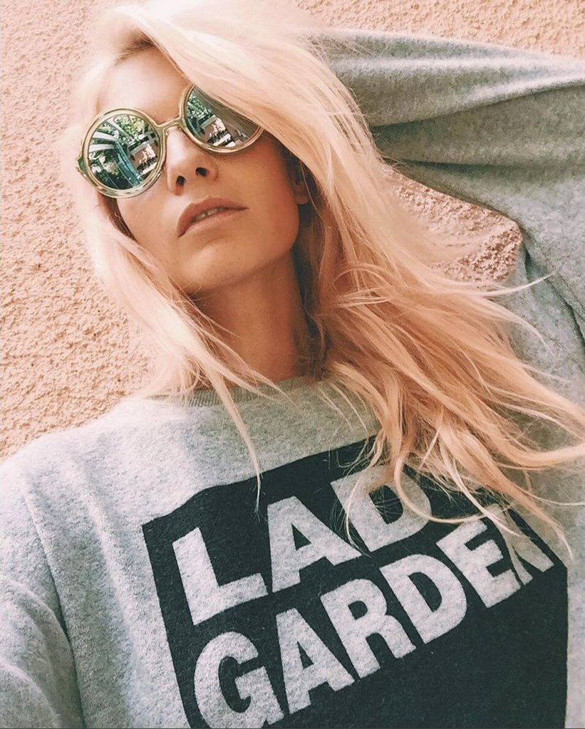Poppy Delevingne pink hair color trends 2017