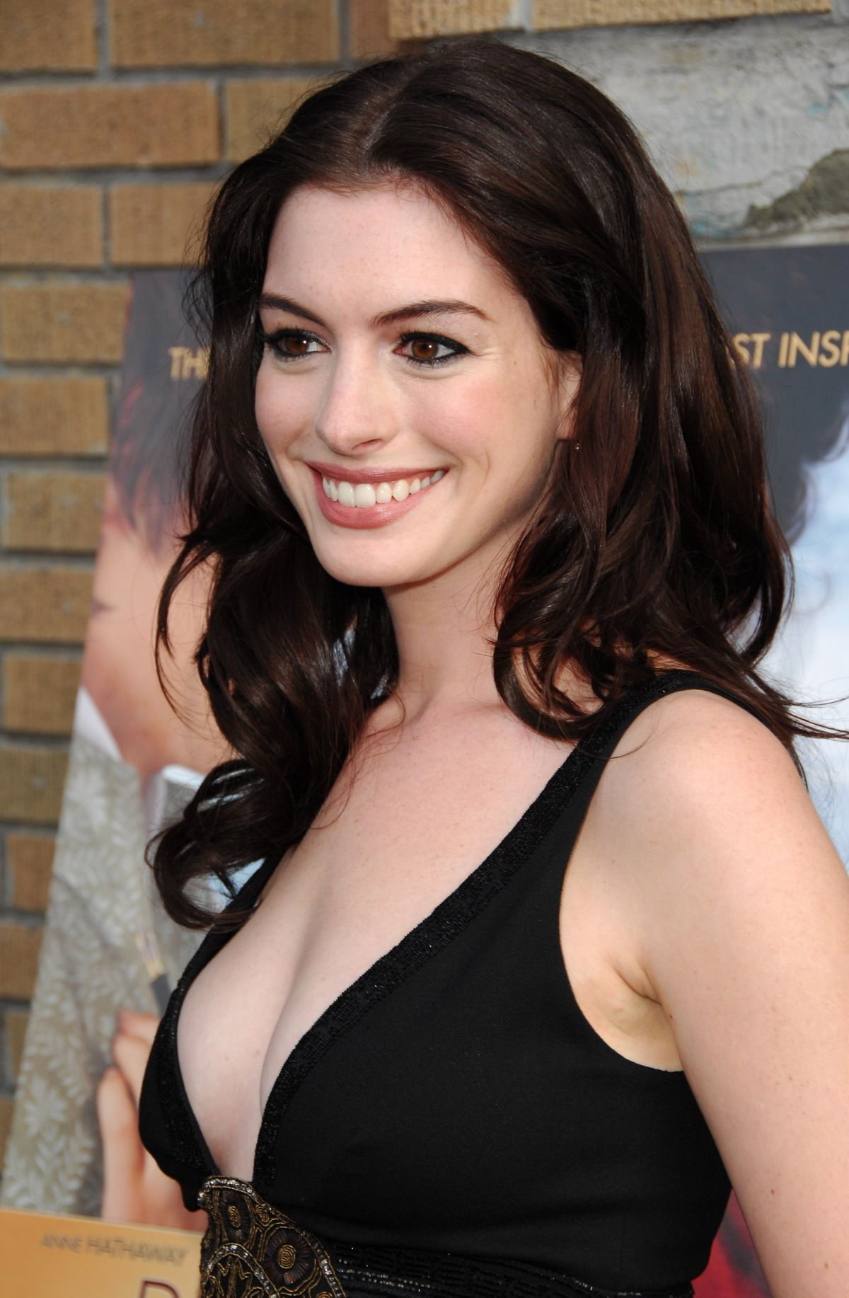 Anne Hathaway brunette hair colors