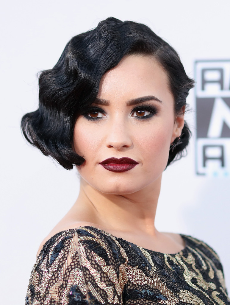 Demi Lovato finger waves hairstyles