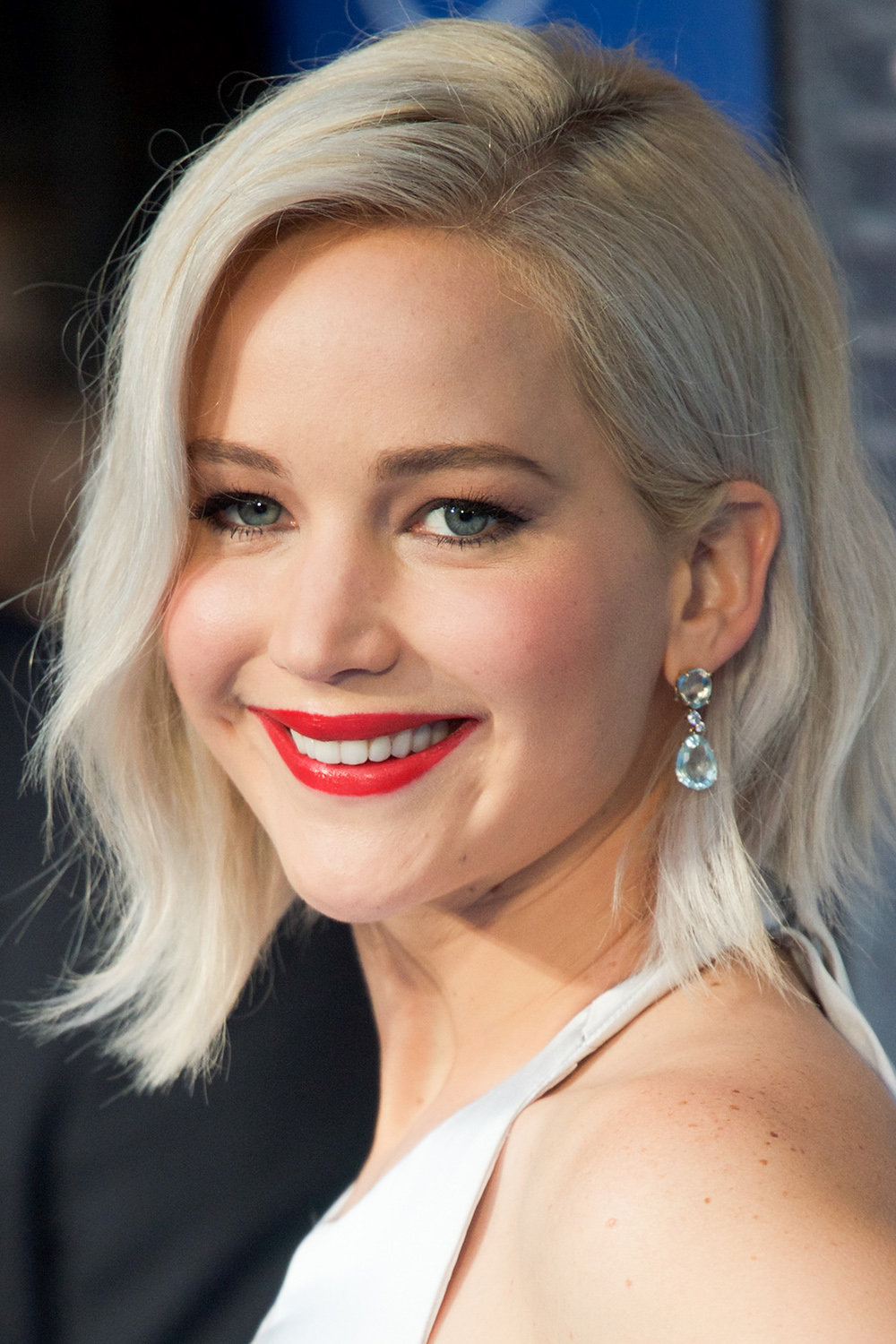 Jennifer-Lawrence-platinum-blonde-hair-colors