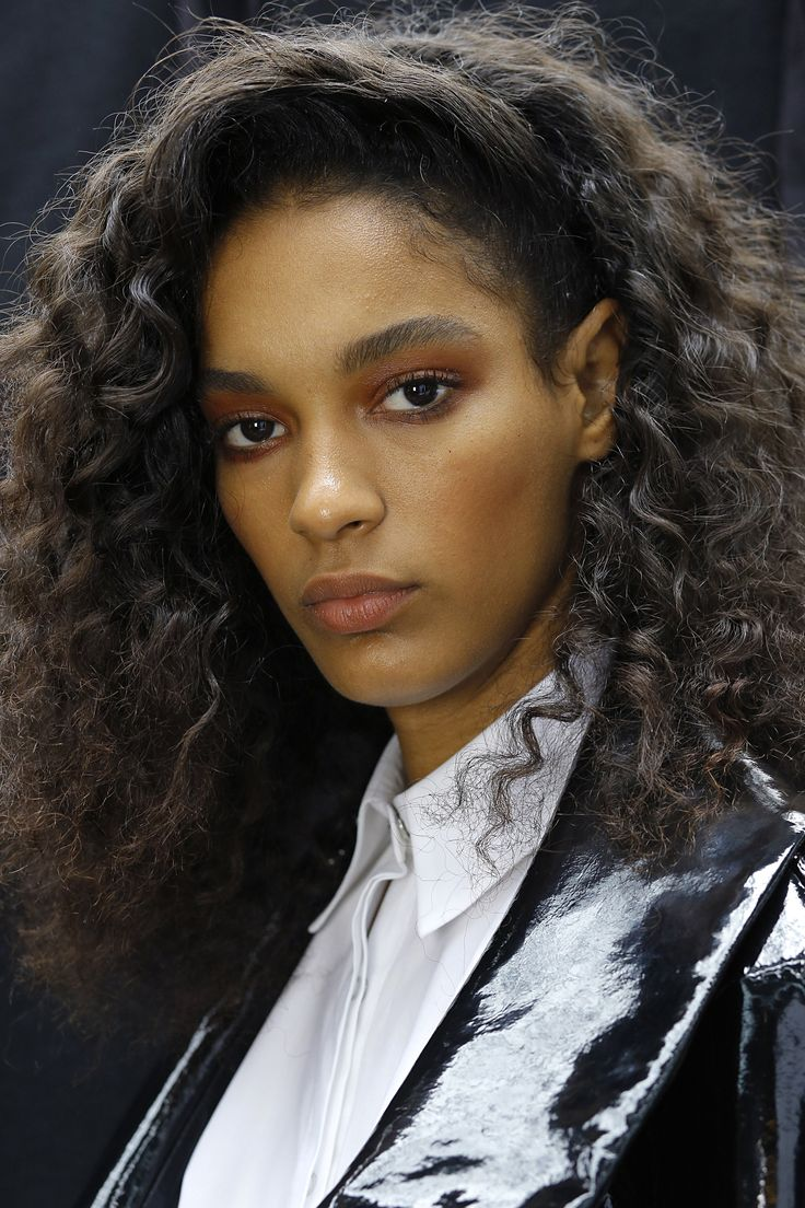 Topshop Unique curly hairstyles 2017