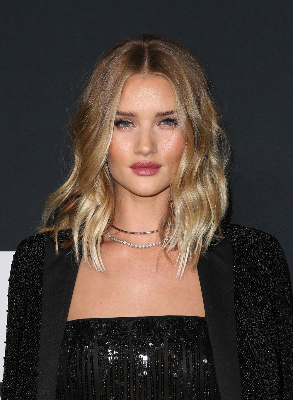 Rosie Huntington-Whiteley wavy lob hairstyles 2018