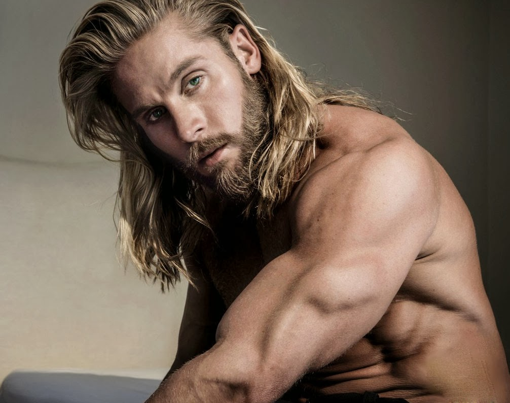 sexy blonde hairstyles for men