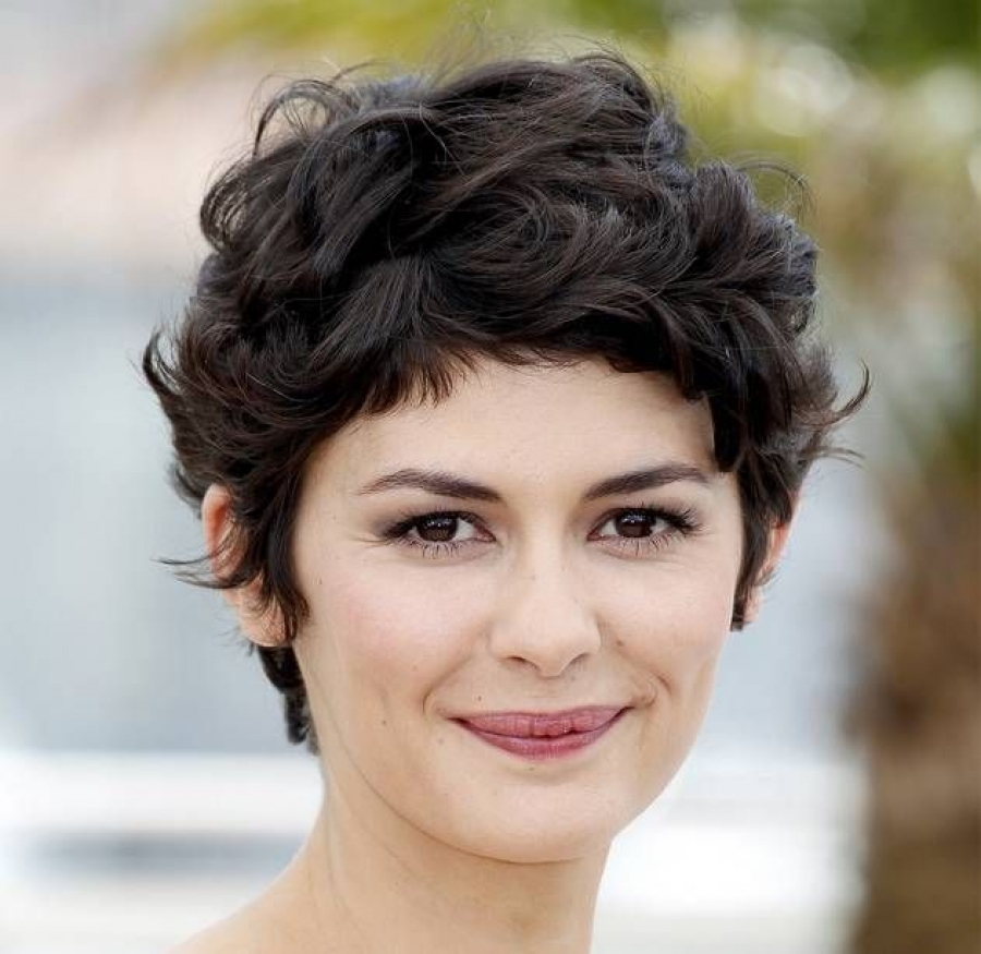 Audrey-Tautou-short-summer-hairstyles
