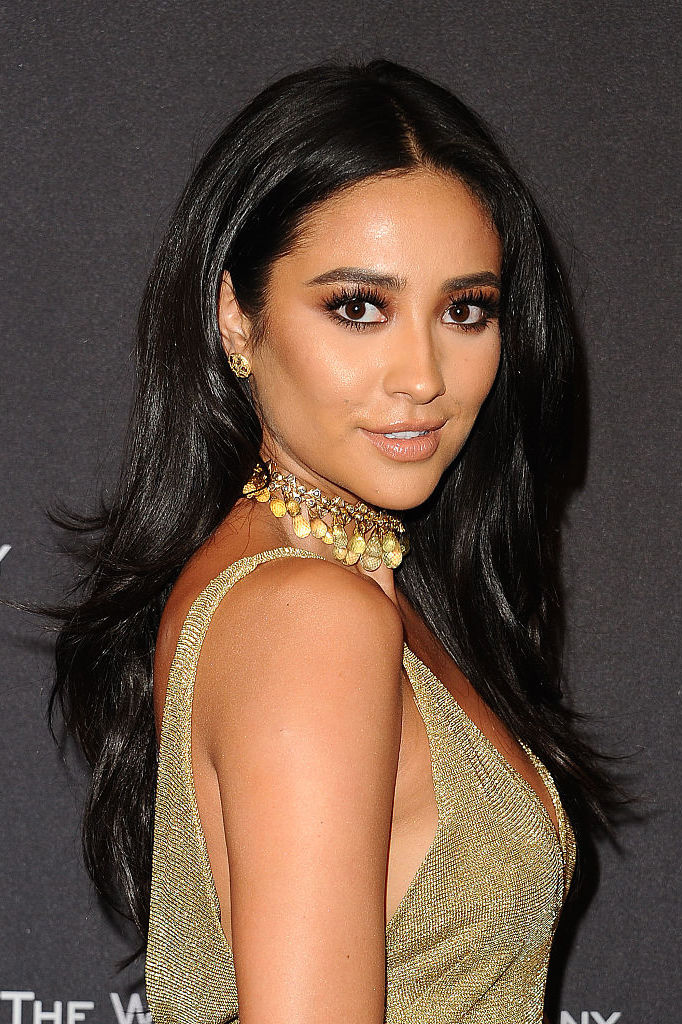Shay Mitchell jet black hair colors 2017 fall