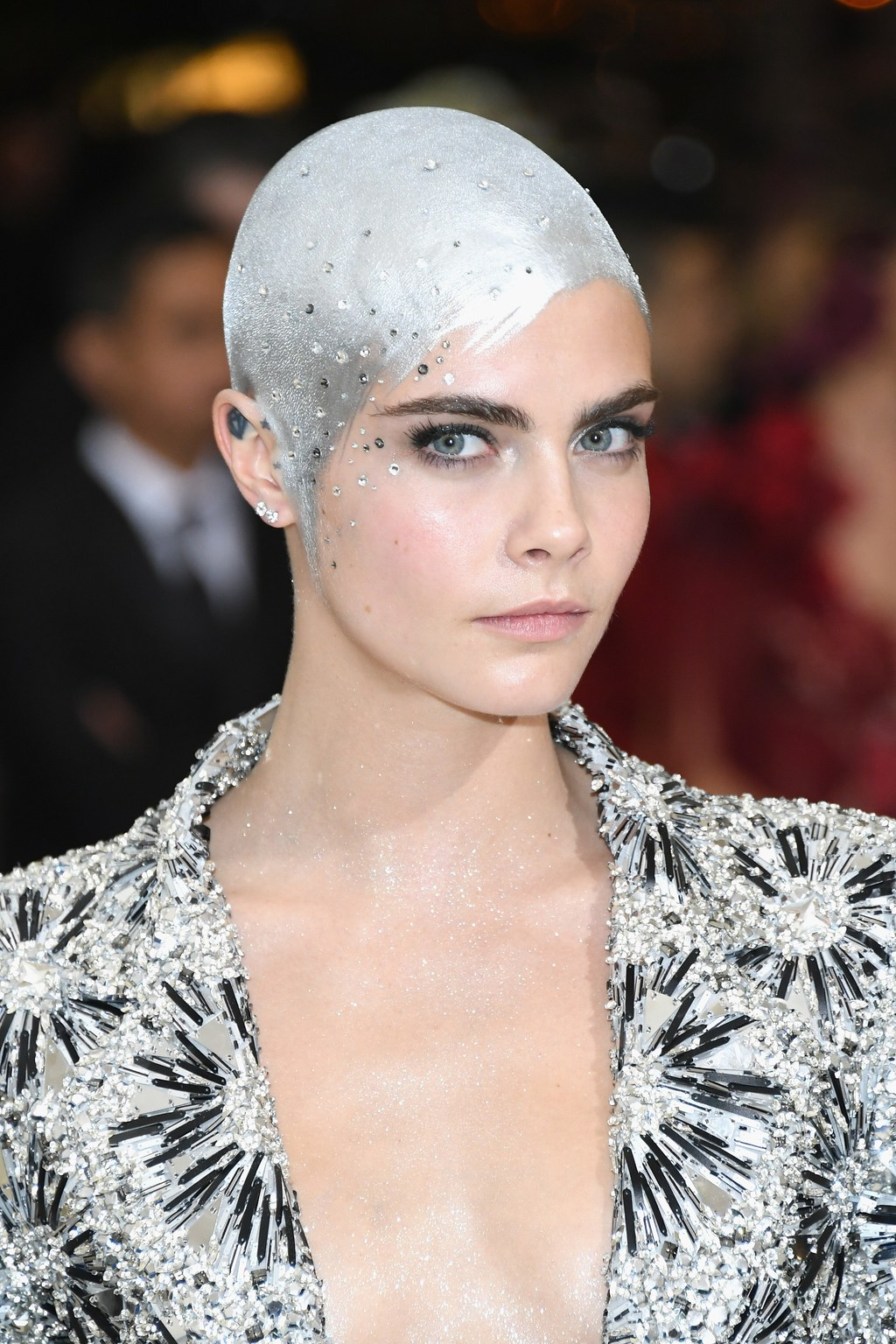 Cara Delevingne pixie hairstyles at MET GALA 2017