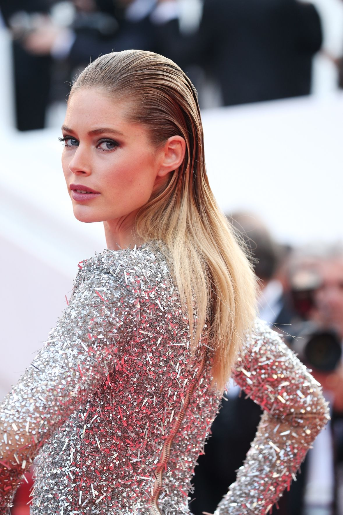 Doutzen Kroes slicked back hairstyles 2017 Cannes