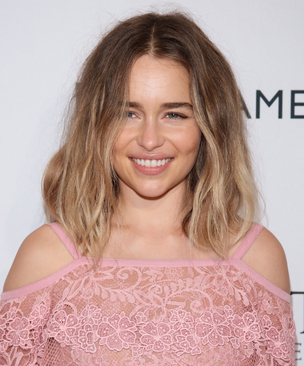 Emilia-Clarke-blonde-ombre-hair-colors-2018-winter