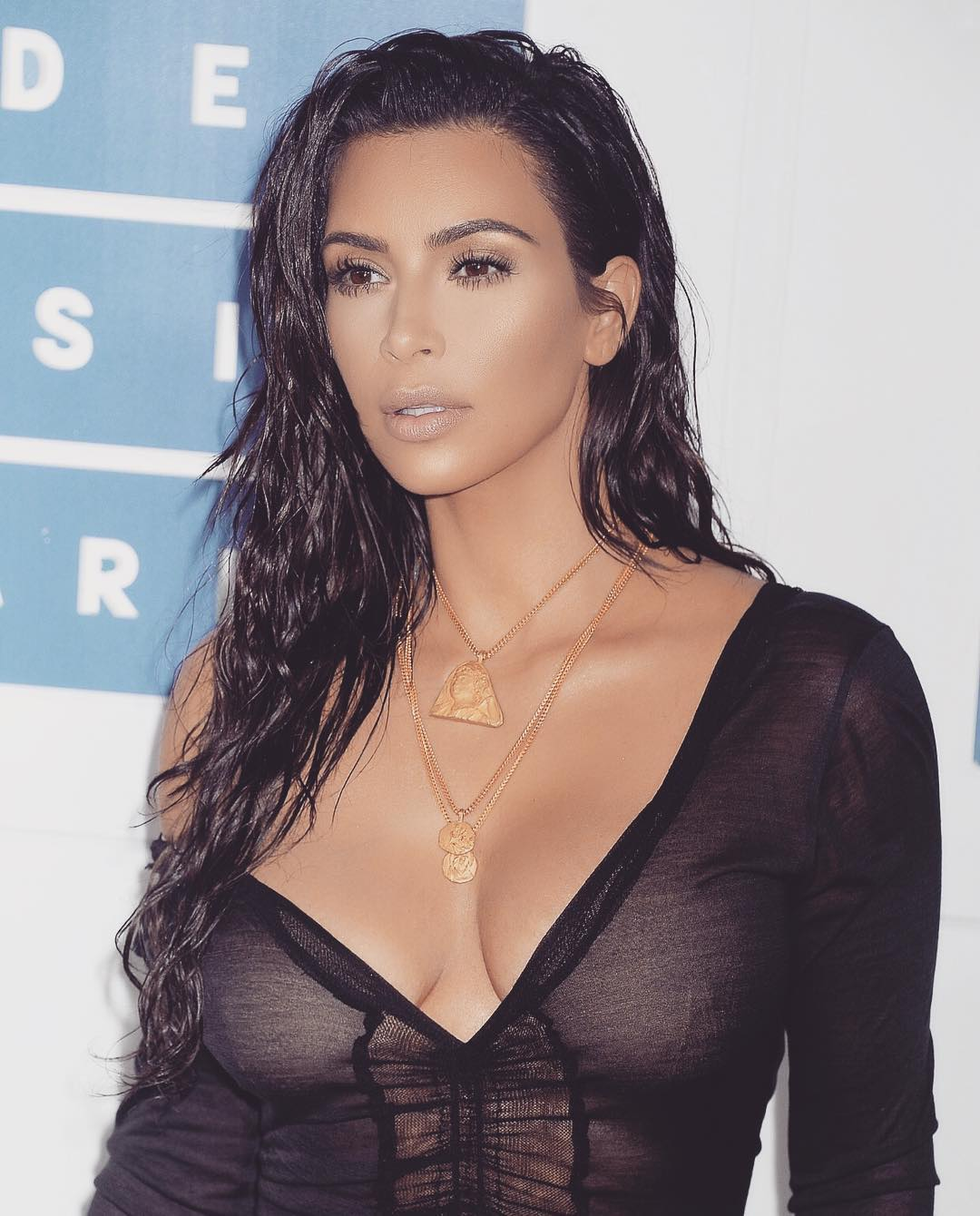 Kim Kardashian wet effect hairstyles 2017 summer