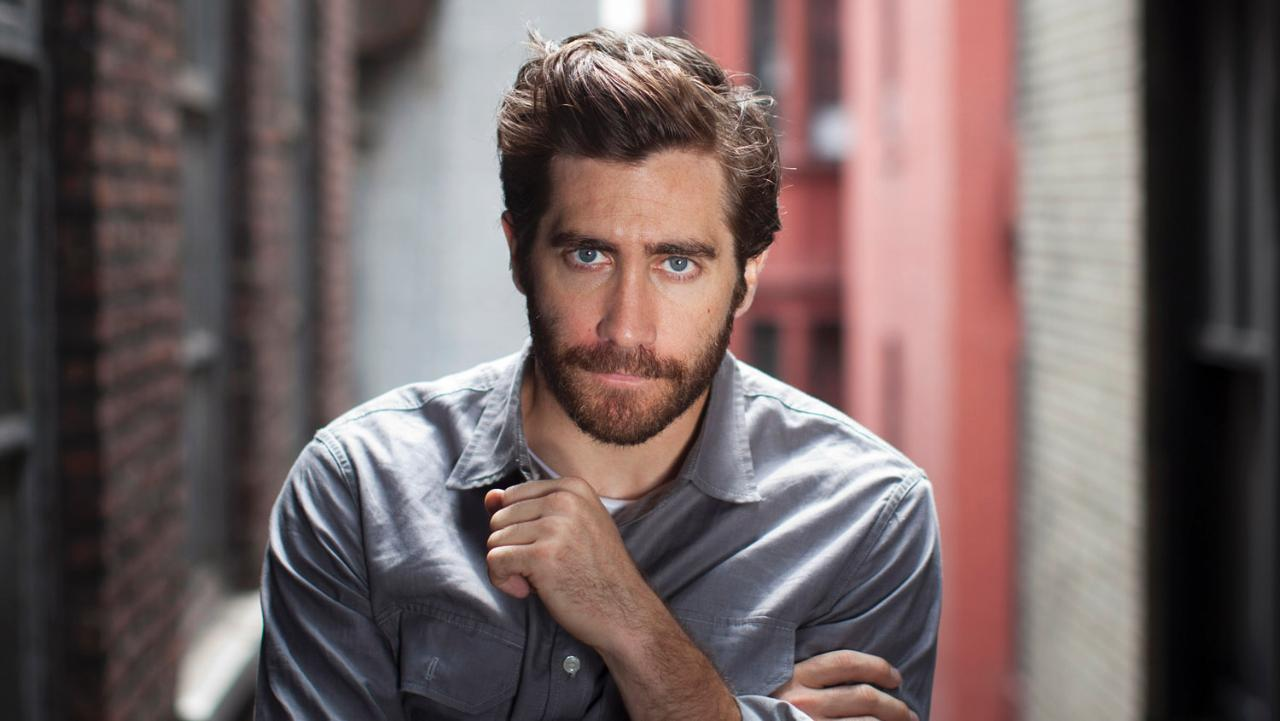 Jake Gyllenhaal messy hairstyles for men 2018