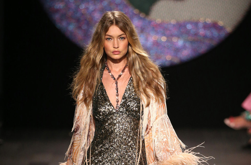 Anna-Sui-Gigi-Hadid-mid-part-wavy-hair-trends-2018