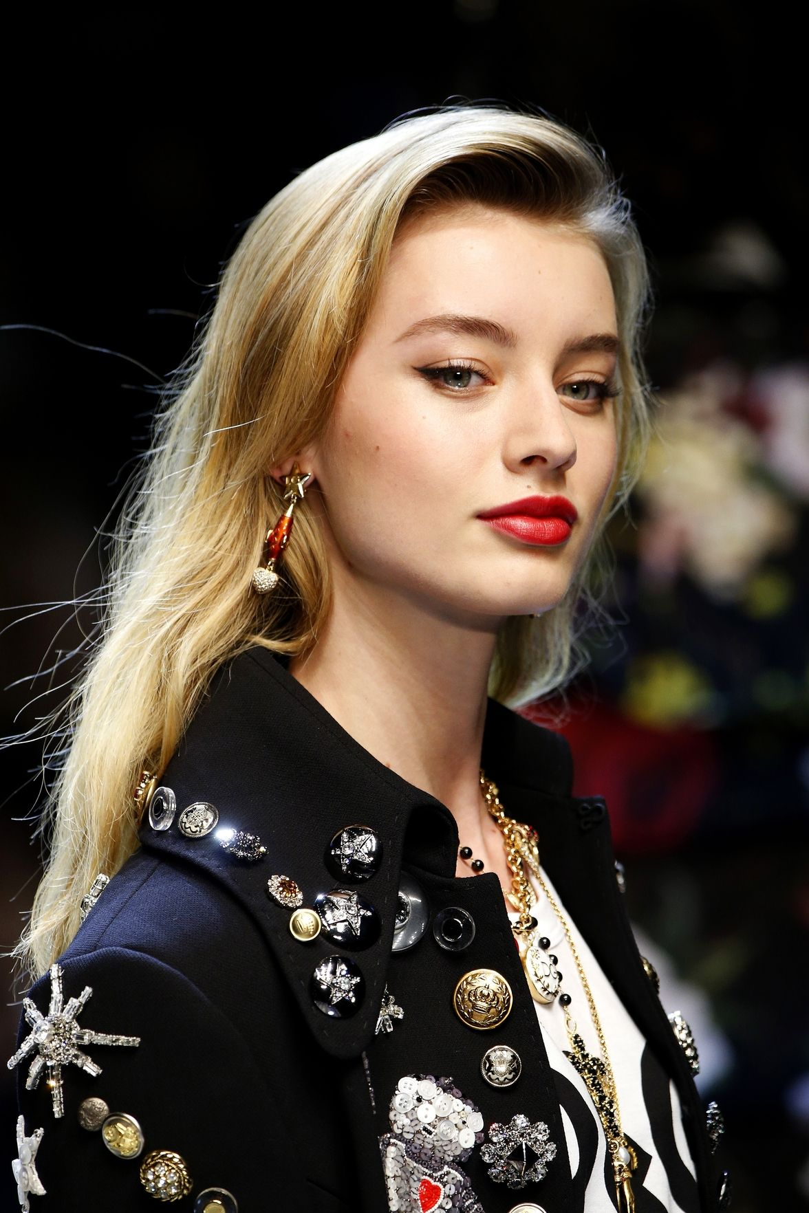 Dolce Gabbana easy side swept hairstyles 2018 spring